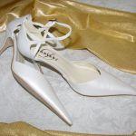 Ditta Stúdió - MEnyasszonyi cipő